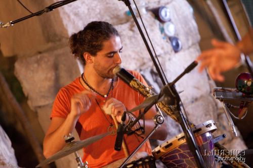 Here's Bertu Aquilina playing two instruments at the same time and sounding crystal-clear on both. Even though one of them is SomeThing.